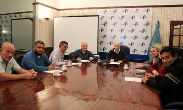 Hubo acuerdo en la paritaria municipal: Gremios aceptaron aumento del 26,5%