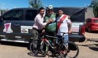 """""""Uniendo pueblos"""": Vecino de Derqui pedaleó hasta San Luis para llevar donaciones a una escuela"""