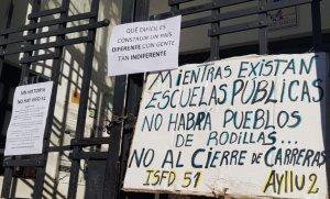"""Conflicto en el Instituto Docente: """"El bloqueo lo hacen 10 alumnos que tienen la cabeza cerrada"""", dijo la Directora"""