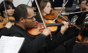 La Orquesta Sinfónica Municipal actuará a beneficio de un niño que debe viajar a Estados Unidos