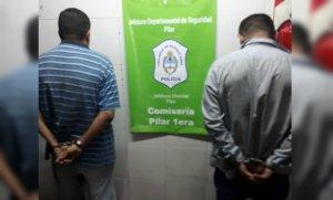 Detienen a delincuentes que robaban con inhibidores de cierres de autos