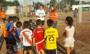 La concejal Jésica Bortule visitó un club de barrio de Villa Rosa