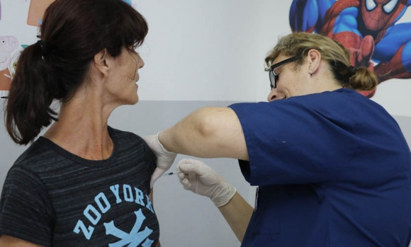 Con operativos en la vía pública, intensificarán la campaña de vacunación antigripal